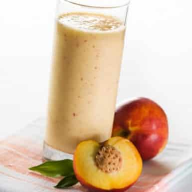 Eat this delicious, thick and creamy dessert-like smoothie minus all the fat, calories and added sugars! You will feel full and full of energy.