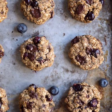Check out this recipe for a gluten-free, vegan delicious & easy breakfast cookie!